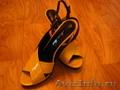 Босоножки, 35 размер, яркие, красная подошва, открытый нос и пятка, для узкой ножки