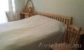 Спальный гарнитур,  массив сосны: кровать,  трюмо,  тумба,  2 стула